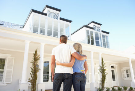 Why You Should Use A Mortgage Company When Buying Home